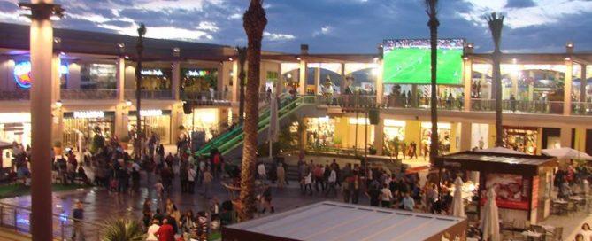 Centro Comercial Zenia Boulevard. Plaza Mayor.